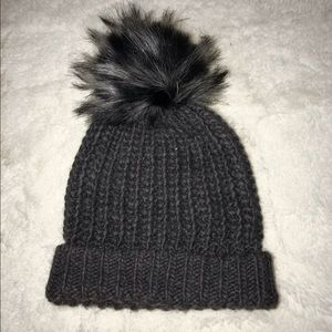 FLUFFY KNITTED BEANY
